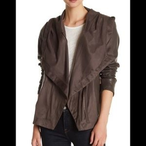 Perfection Vince Camuto leather Jacket